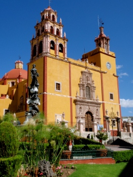 Grand old church ~ Guanajuato