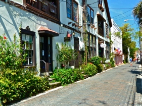 Many cobbled-stone streets reminded us of our time in Mexico.