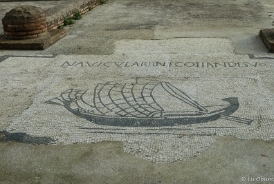 Representation of one of the sailing vessels on the Tiber.