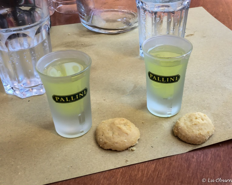 A gift of limoncello and homemade biscuits - yum!