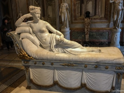Reclining woman – Pauline Borghese as Venus. Napoleon's sister posed nude for sculptor Canova, scandalizing Europe.